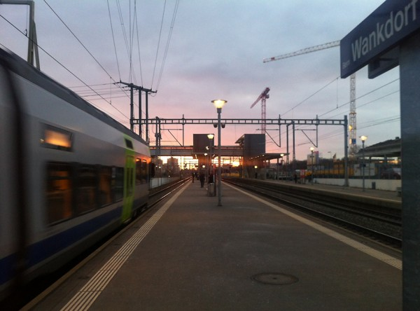 SBB-Station Wankdorf im Abendlicht